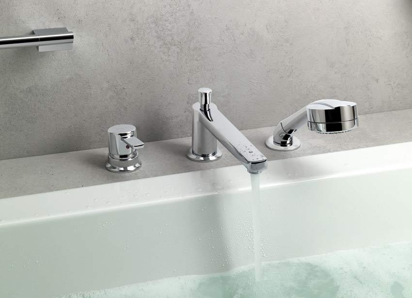 Смеситель на бортике ванной